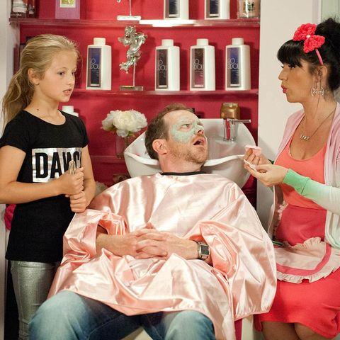 Hair, Head, Ear, Sitting, Hair accessory, Headpiece, Lap, Makeover, Personal grooming, Shelf,