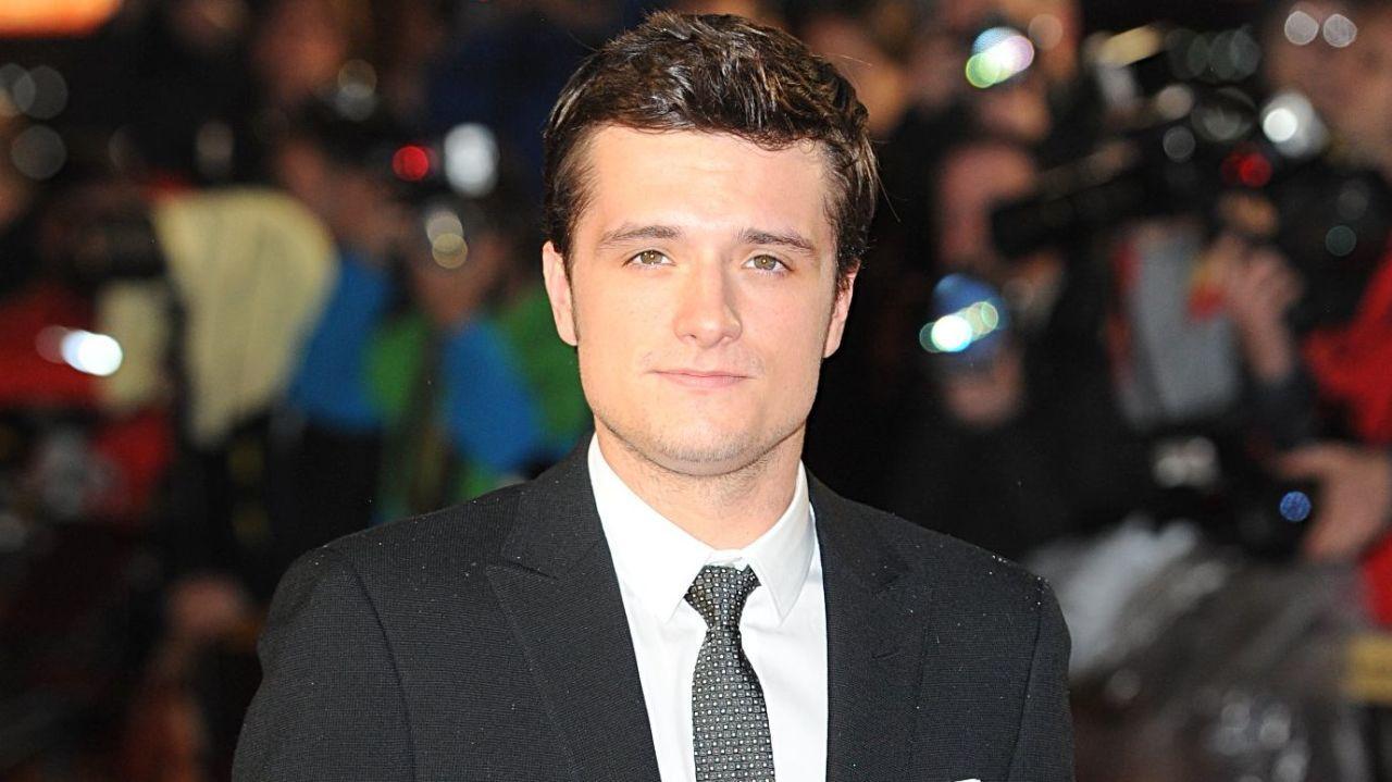 Emma Watson dating Josh Hutcherson er det noen dating nettsteder for 12 åringer