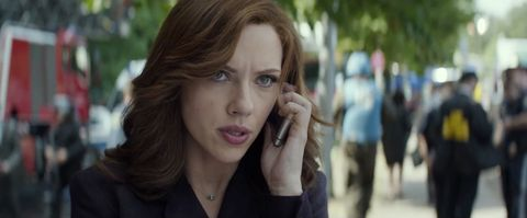 Why Does Scarlett Johansson S Black Widow Hairstyle Change