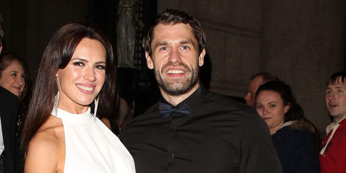 Emmerdale star Kelvin Fletcher's wife shuts down marriage trouble rumours