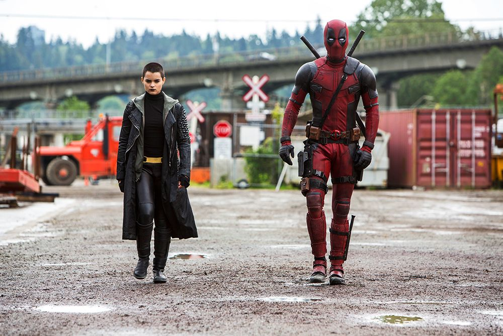 Some lucky people got an early Deadpool screening and everyone LOVES it