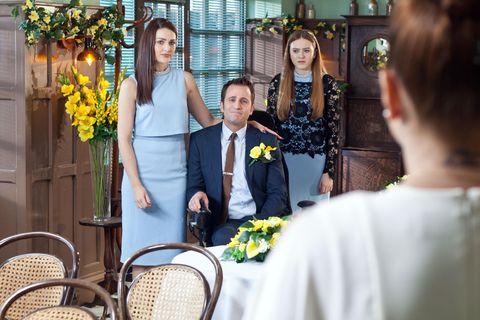 Yellow, Bouquet, Coat, Outerwear, Suit, Dress, Formal wear, Floristry, Tradition, Wedding dress,
