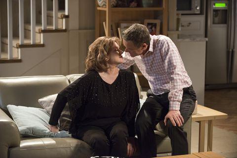 Paul kisses Lyn