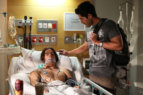 Andy arrives at the hospital to see Josh