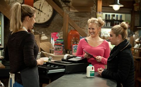 Carly warns Tracy that her wine tasting is a one-off