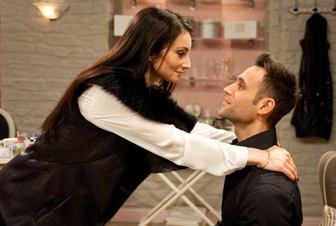 Leyla reassures Nikhil