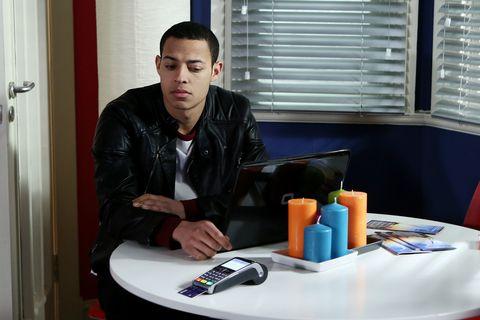 Pierce clocks Dermot has left his credit card behind