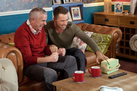 Darren gets a tip from one of his old gambling pals so Jack can try and win back some money