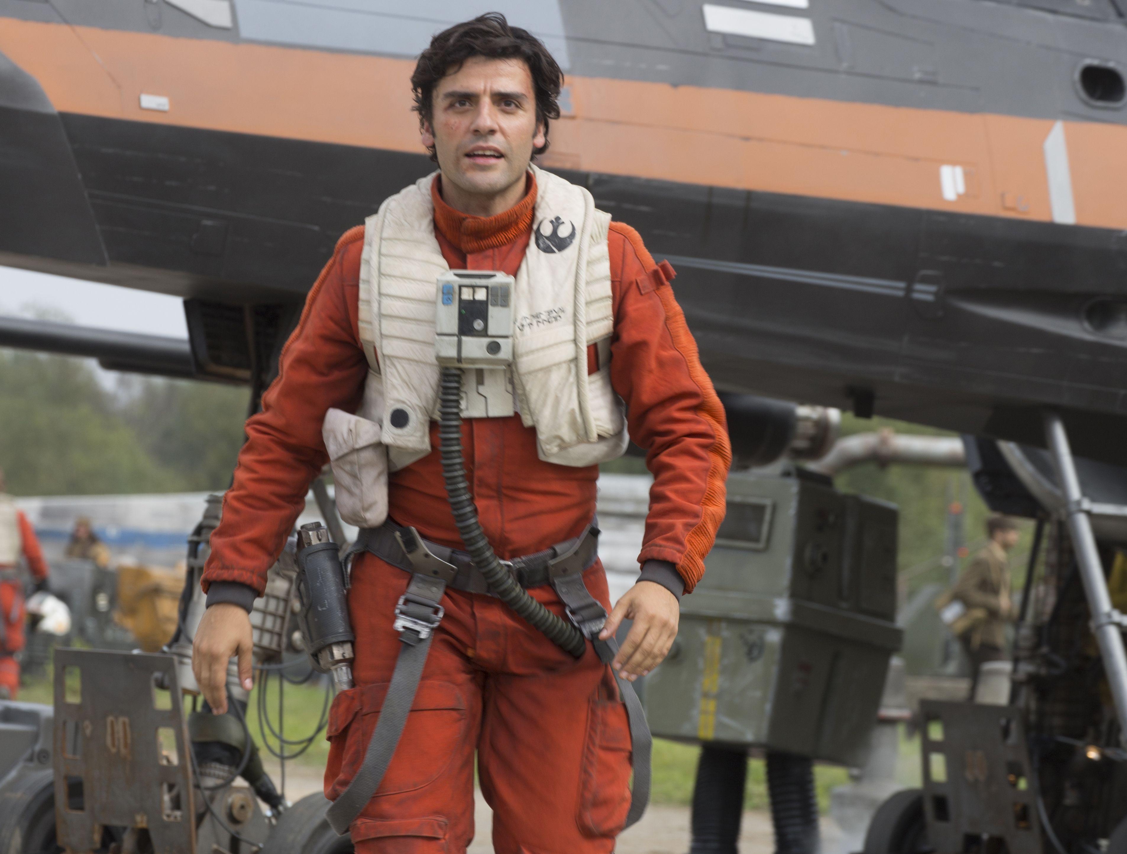 Oscar Isaac can't believe he's a Star Wars 'insider'