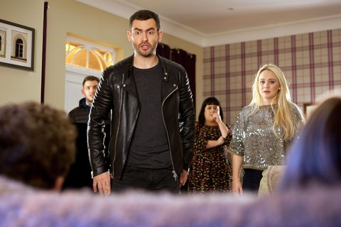 Cameron is furious when Tegan tells him that Tom and Peri are alone together.