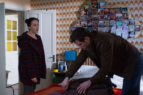  Sonia is surprised to see Martin back home 