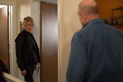 Shirley makes a decision to save her relationship with Buster.
