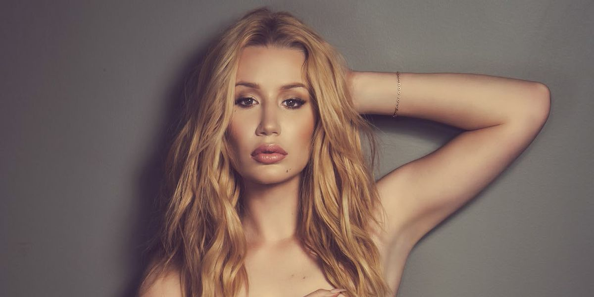 Iggy Azalea rocks a near-nude outfit to perform which