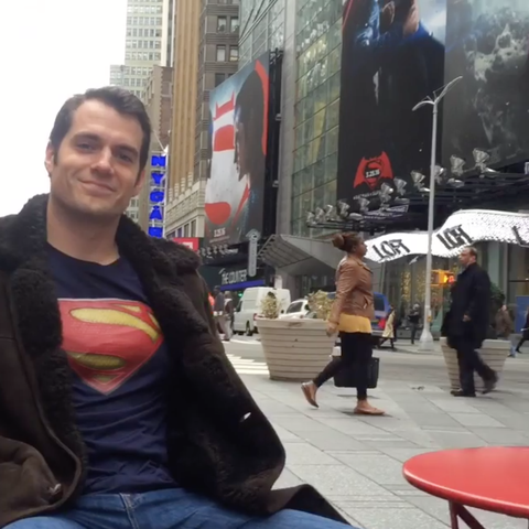 Henry Cavill Proves Clark Kents Glasses Are Good Enough To Keep