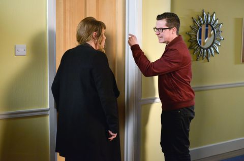Sharon quickly stops Ben from killing his dad.