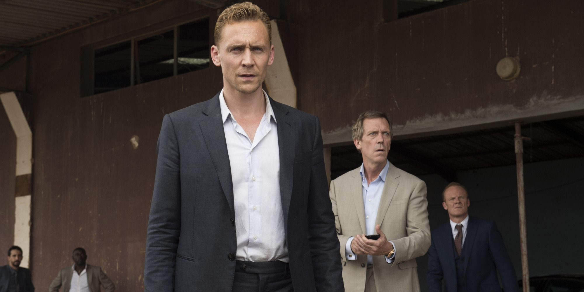 Jonathan Pine and Richard Roper in The Night Manager s01e06