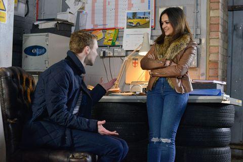 Jai tells Linzi about Louise