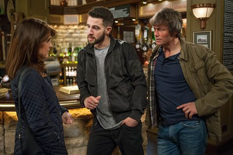 Emma learns that Pete is being released from prison