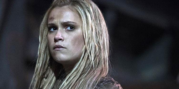 Eliza Taylor as Clarke in The 100 season 3