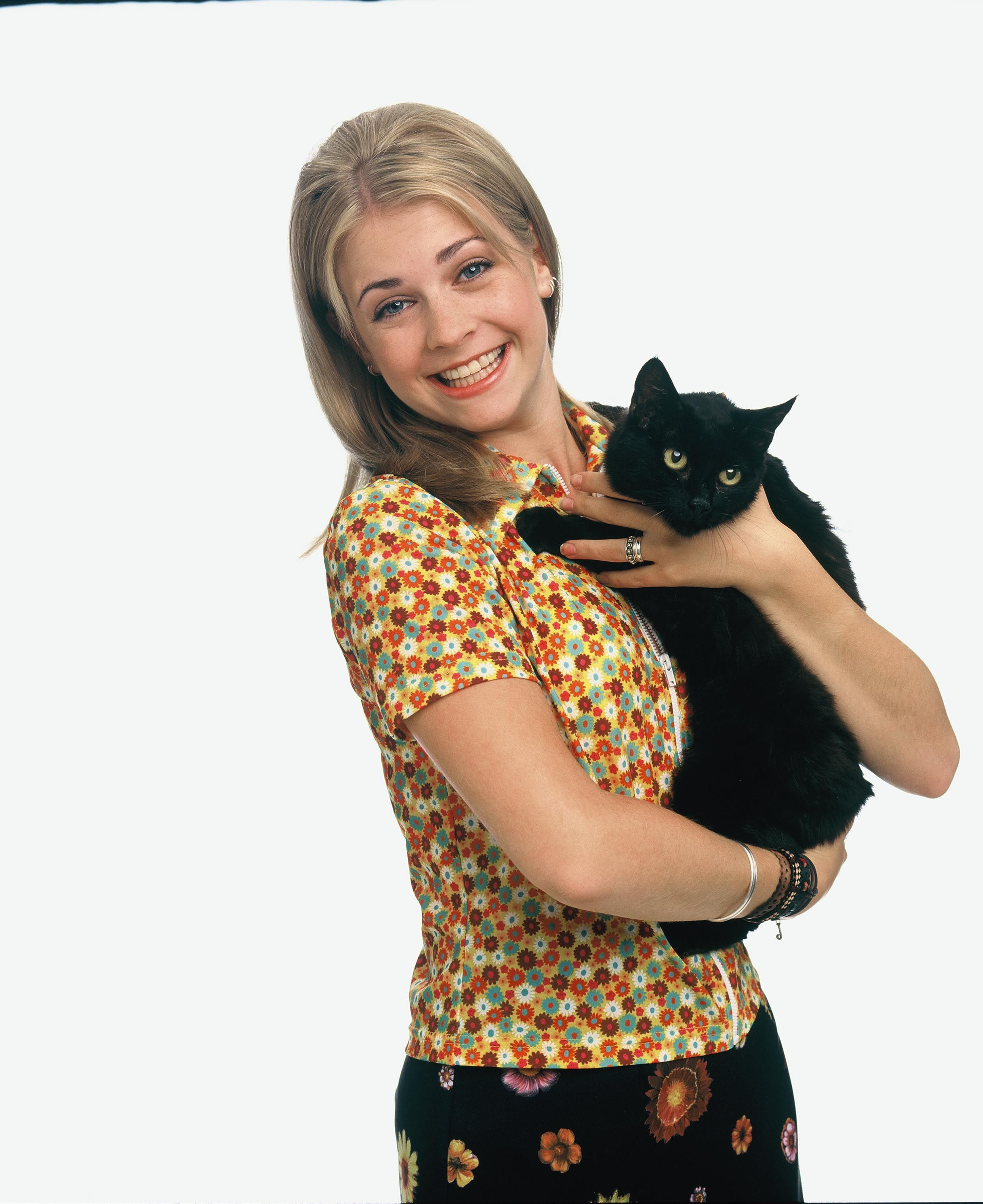 Watch the original Sabrina the Teenage Witch reunite with Salem in James Corden sketch