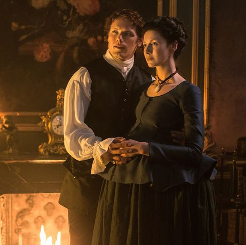 Jamie and Claire in Outlander s02e02