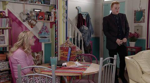 Craig tells Sinead that his dinner didn't go well