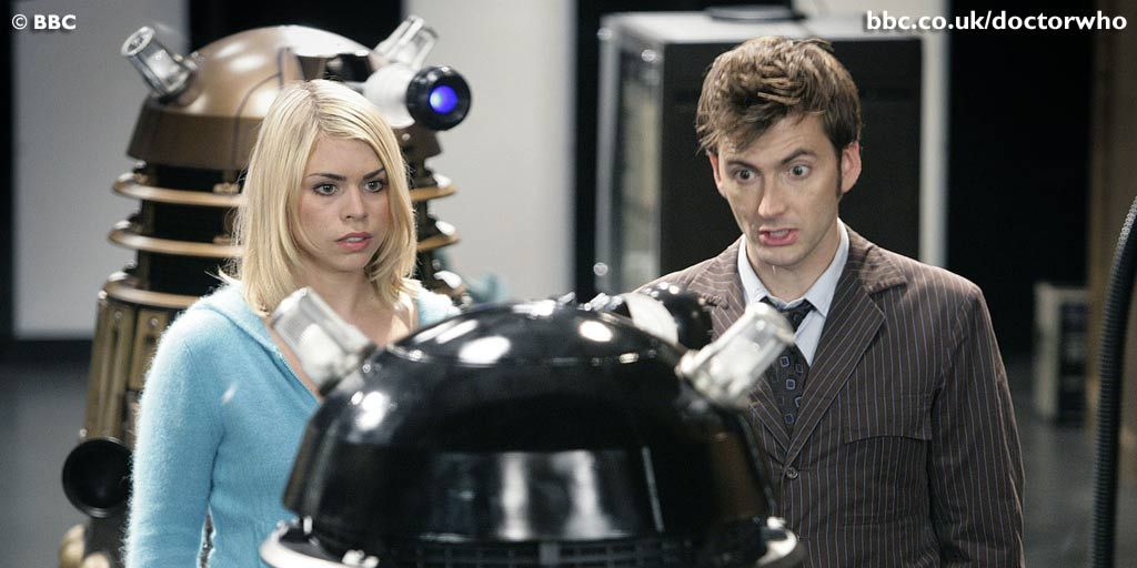 Rose Tyler and the Doctor in Doctor Who s02e13, 'Doomsday'
