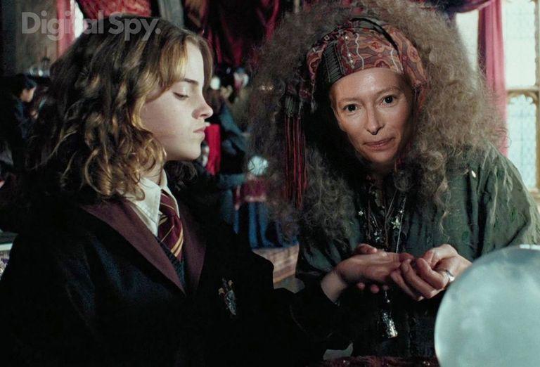 Tilda Swinton – Sybill Trelawney Harry Potter