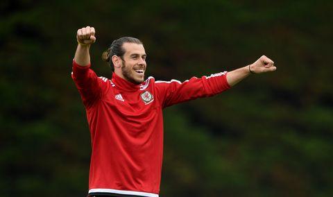 Gareth Bale training for Wales