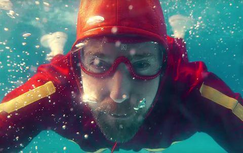 Kaiser Chiefs 'Parachutes' music video.