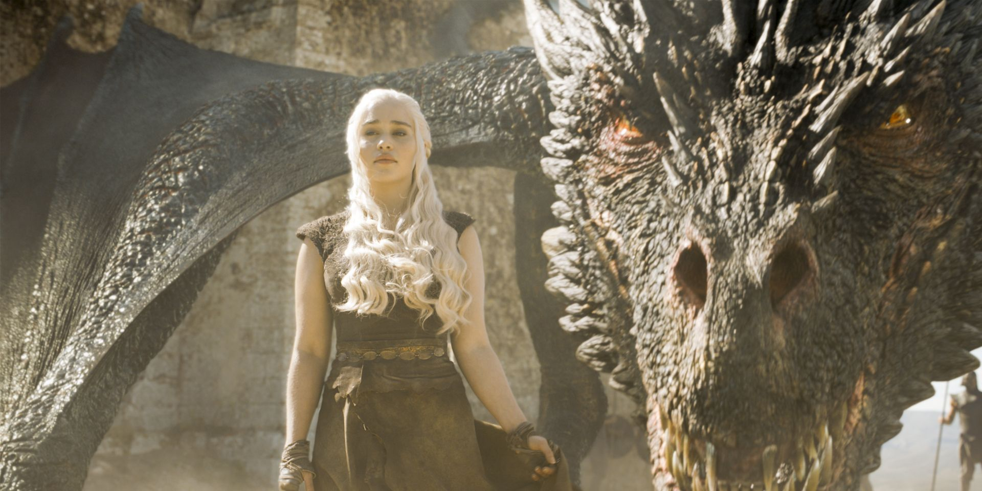 Daenerys and Drogon in Game of Thrones s06e09, 'Battle of the Bastards'
