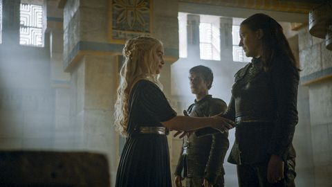Daenerys and Yara in Game of Thrones s06e09, 'Battle of the Bastards'