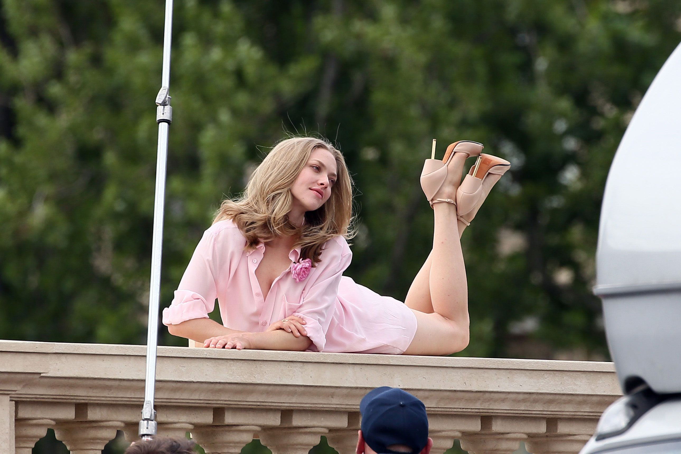 Amanda Seyfried Top Nude amanda seyfried denies flashing everything in photoshoot