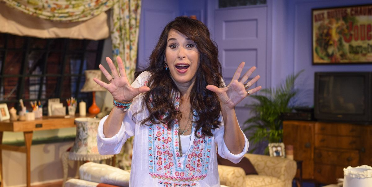 """Friends star Maggie Wheeler looks back on the show's """"cringe"""" and """"politically incorrect"""" aspects"""