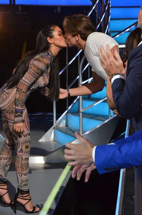 Marnie Simpson kisses Lewis Bloor at Big Brother final