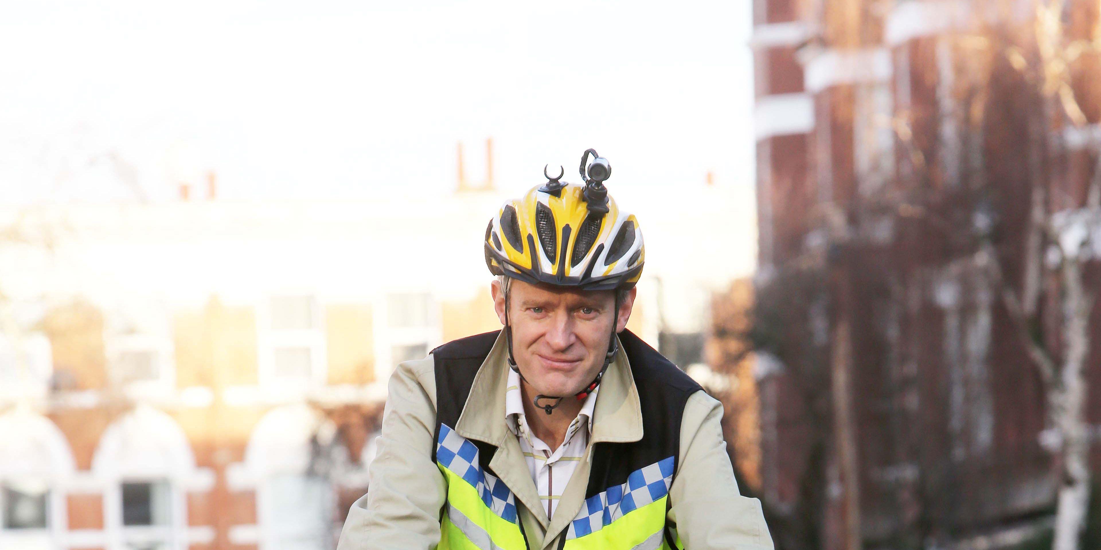 BBC presenter, Jeremy Vine, cycling