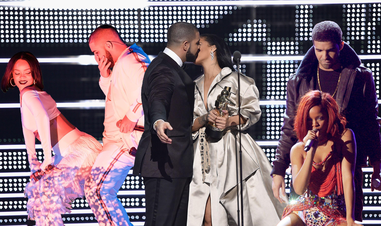 Rihanna drake dating 2011 Online Dating meddelanden för mycket