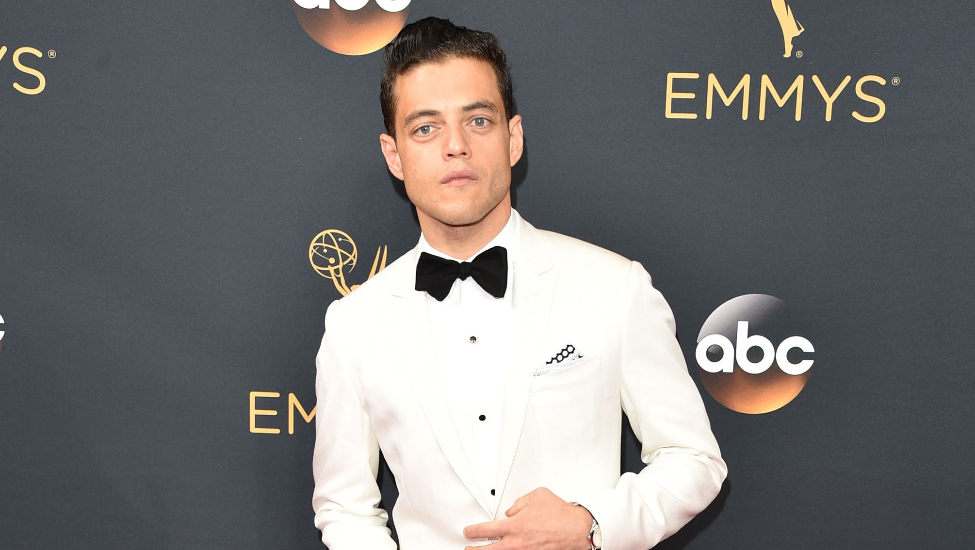 "Bohemian Rhapsody's Rami Malek says his situation with Bryan Singer ""was not pleasant"""