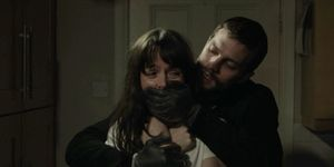 Rose Stagg and Paul Spector in The Fall s03e01