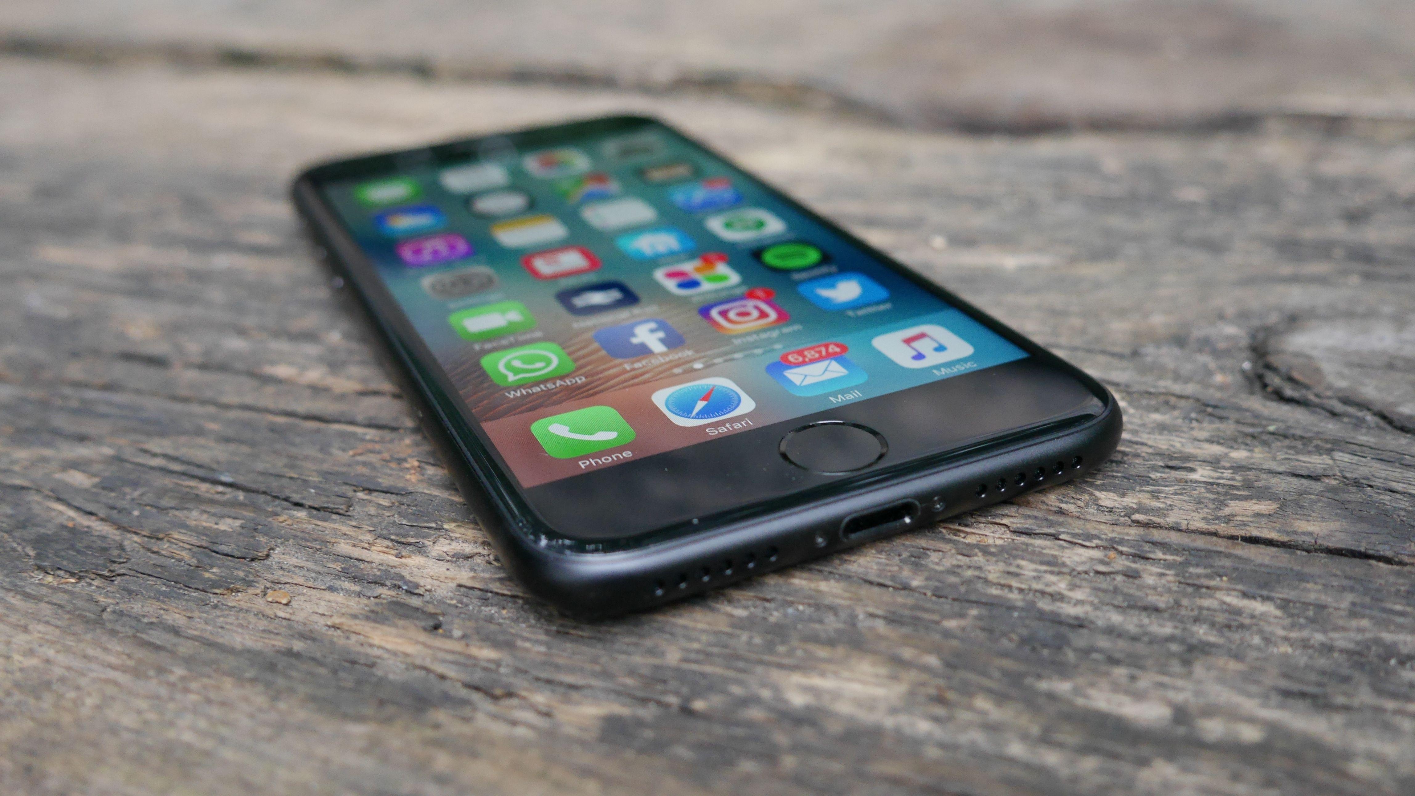 Spy Iphone X App
