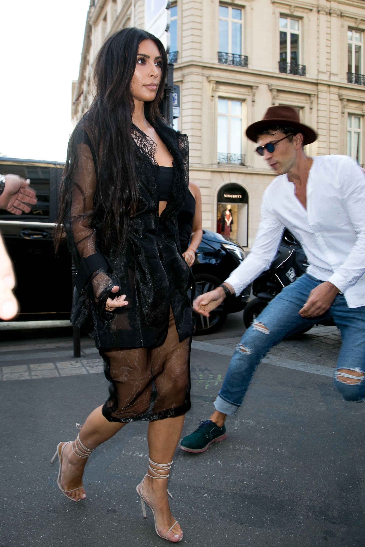 Ass Grope kim kardashian phenomenal star: kim kardashian groped