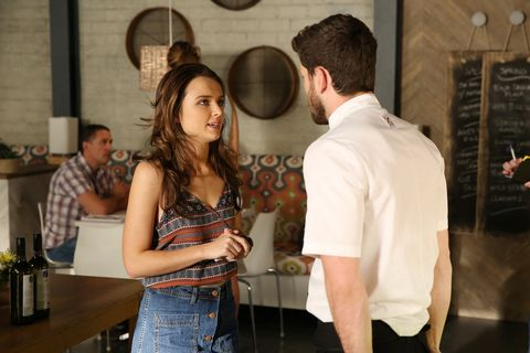 Evie MacGuire talks with Brody Morgan about Salt in Home and Away