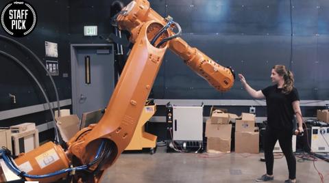 Madeline Gannon Robot trainer