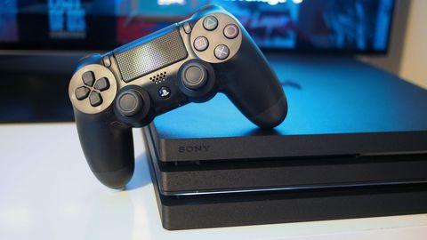 PS4 Slim vs PS4 Pro - Skinny or 4K?