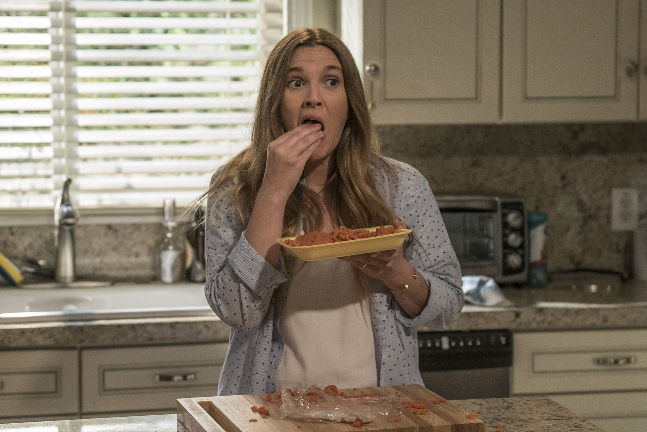 So now we know just what Drew Barrymore really eats in her cannibalistic Santa Clarita Diet