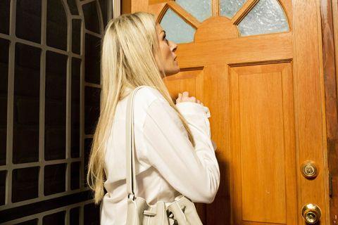 Dee Bliss returns in Neighbours