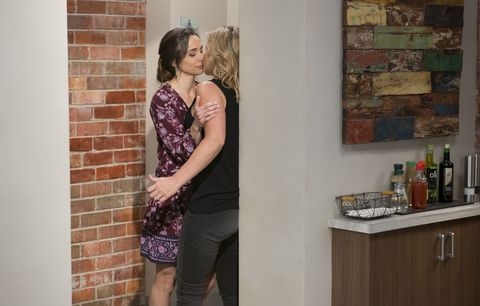 Victoria Lamb kisses Steph Scully in Neighbours
