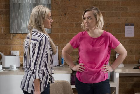 Sindi Watts returns to face Dee Bliss in Neighbours