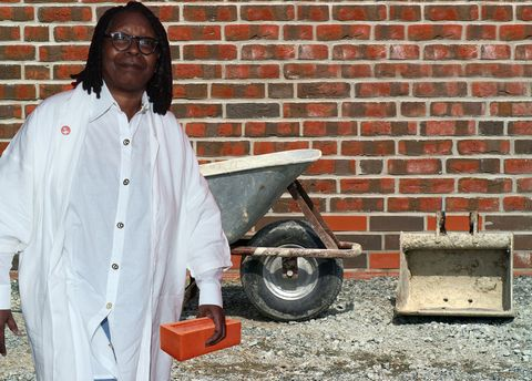 Whoopi Goldberg, bricklayer