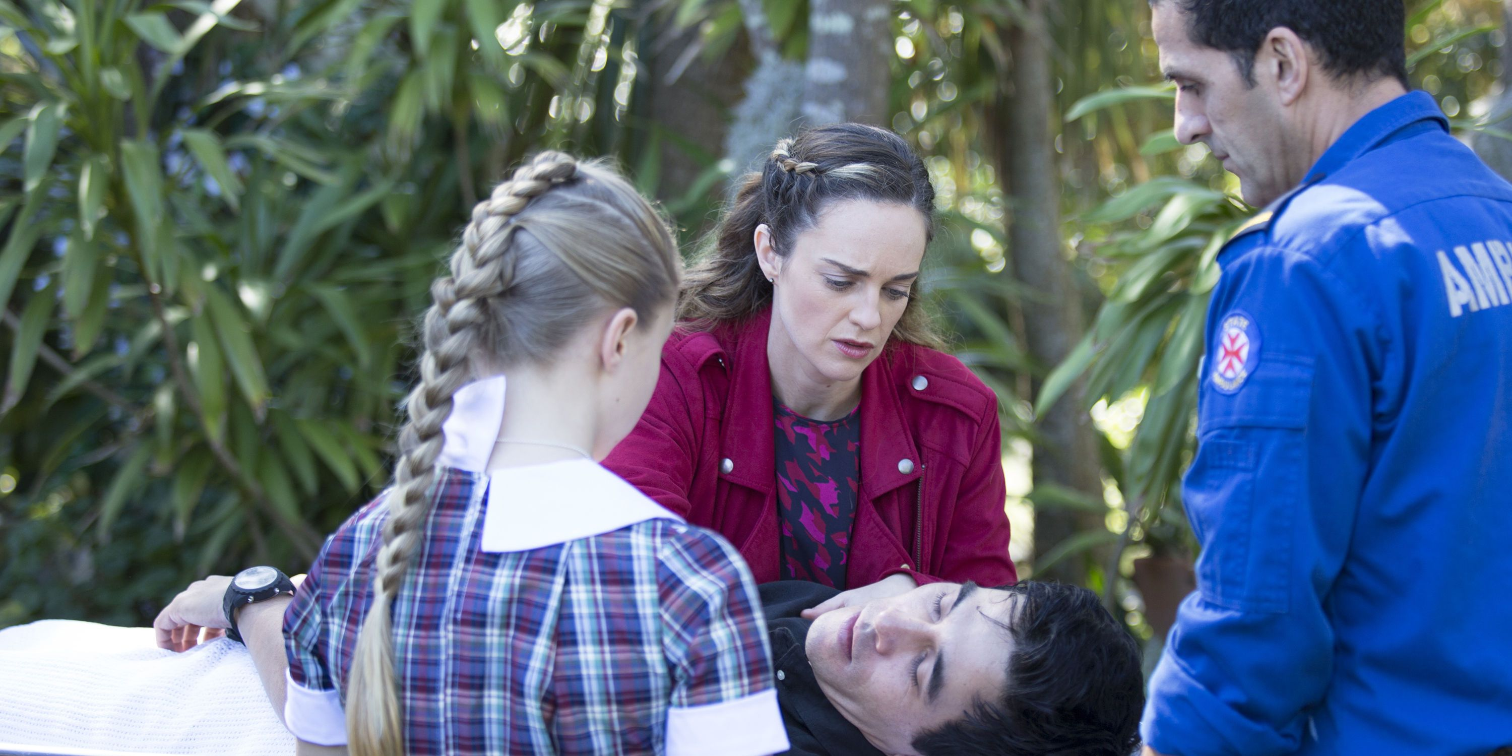 Raffy and Tori Morgan worry about Justin's collapse in Home and Away